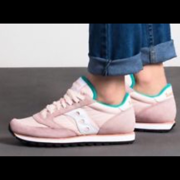 6d15ca716682 Blush pink saucony Jazz Suede trainers sneaker 6.5.  M 5b1b41773c98444b8e81b3c9